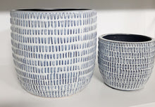 Load image into Gallery viewer, Textured blue on white pot
