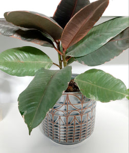 Slate grey pattern pot