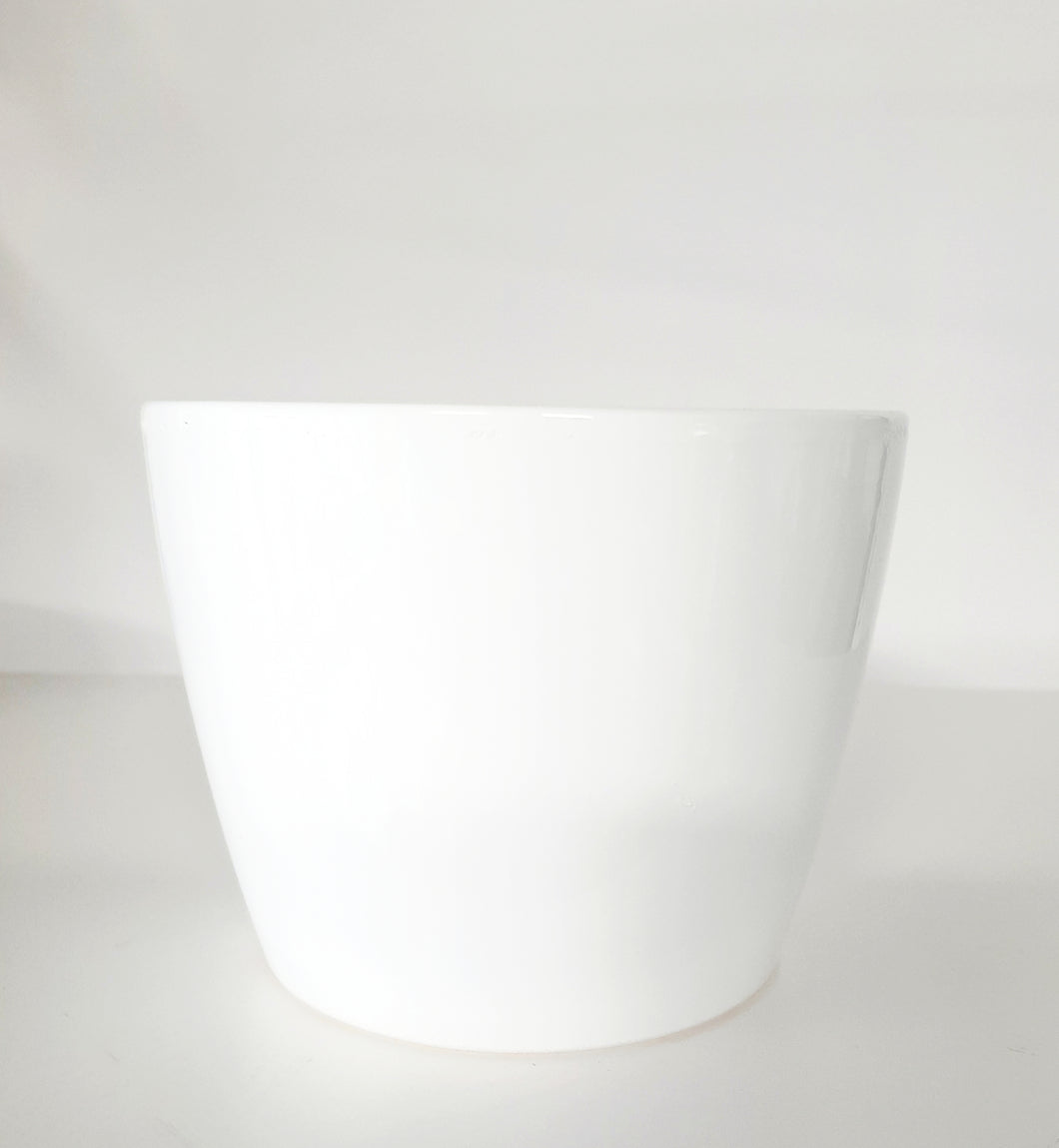 Simple White Decorative Pots