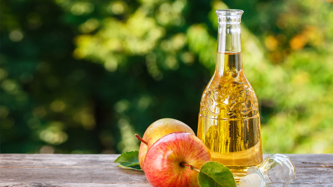 apple and apple cider vinegar
