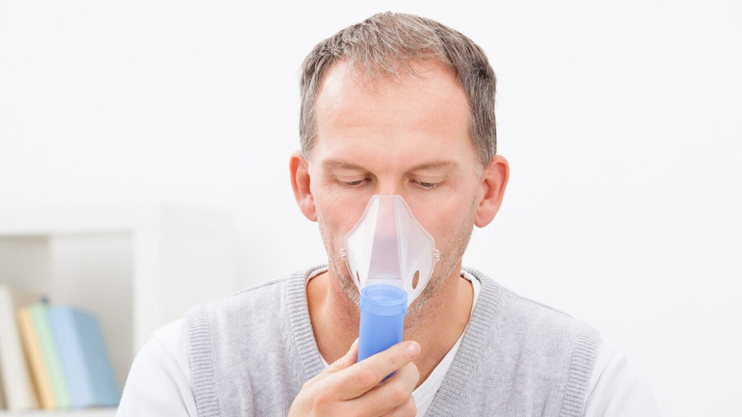 Man using respiratory mask