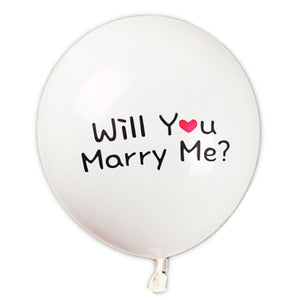 A white Latex balloon for man who plan to propose to girlfriend.