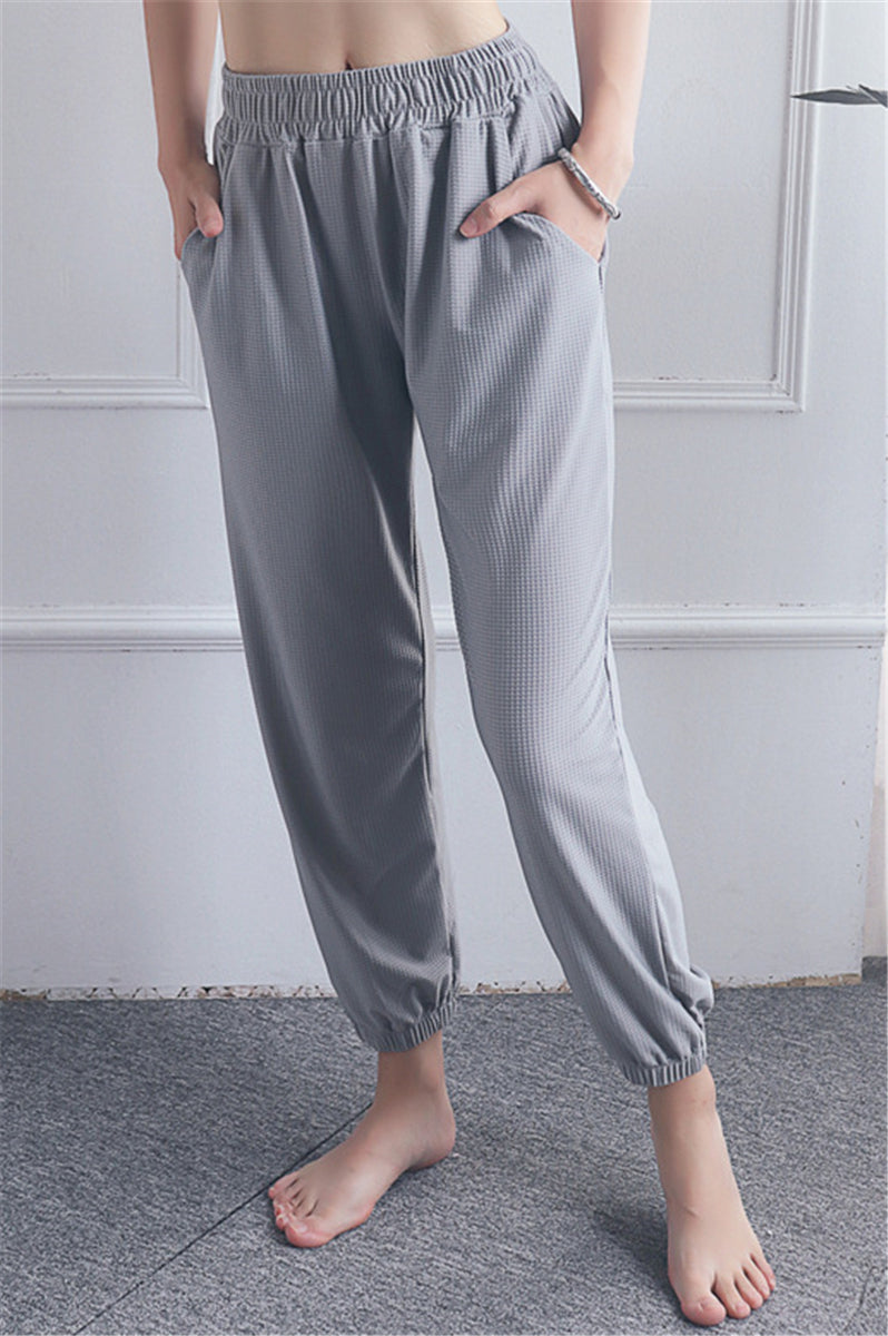 Y-0009 Grey joggers with pockets and drawstring