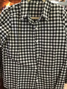0133 black and white plaid button up