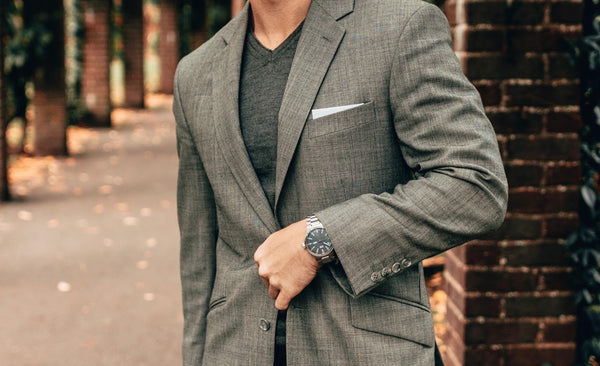 Suit With V Neck: How to Rock It