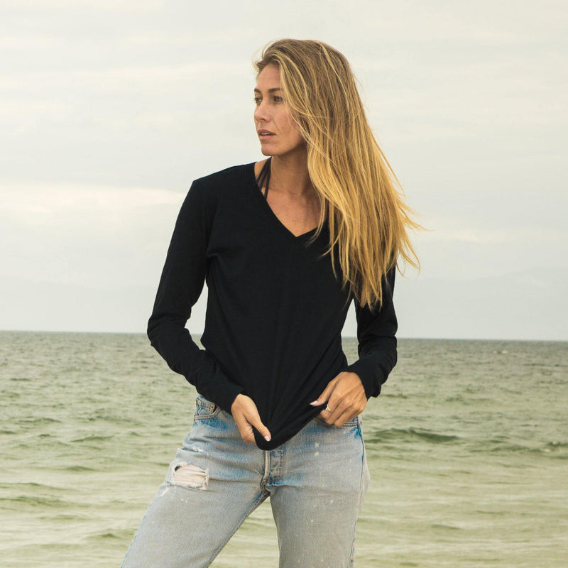 black organic cotton Long Sleeve V-Neck t-shirt - front
