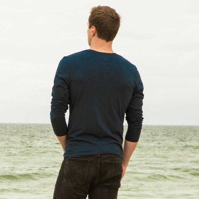 navy-blue organic cotton Long sleeve V-Neck t-shirt - back