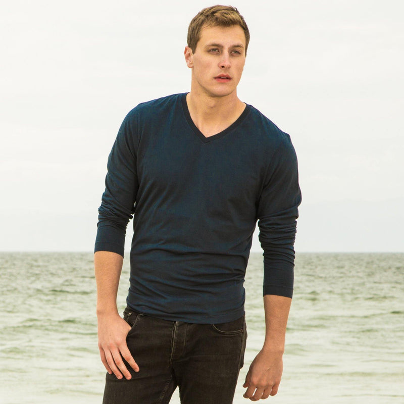 navy-blue organic cotton Long sleeve V-Neck t-shirt - front