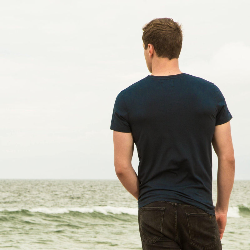 navy-blue organic cotton t-shirt - back view