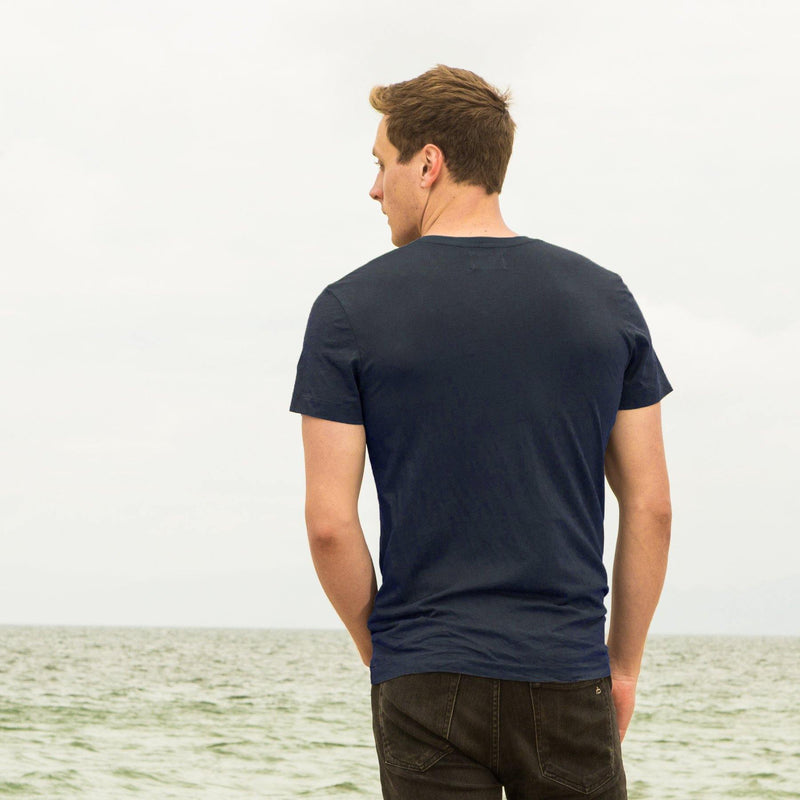 navy-blue organic cotton V-Neck t-shirt - back view