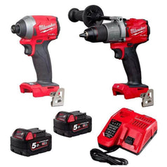 Milwaukee Milwaukee M18FPP2A2-502C 2 Piece 18V 5.0Ah FUEL Cordless Combo Kit