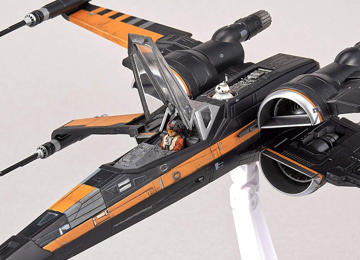 Poe's Boosted X-Wing Starfighter 1/72 Scale Model Kit