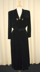 1940s Black Velvet Collar Dress - Cats Like Us