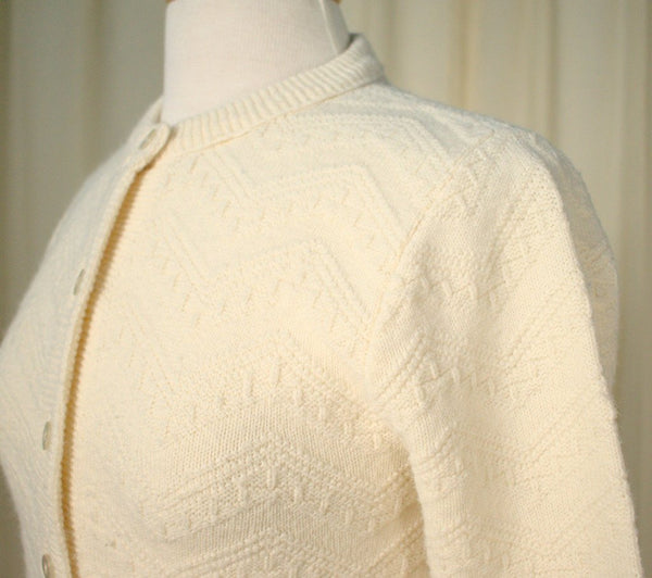 1950s Cream Chevron Cardigan - Cats Like Us