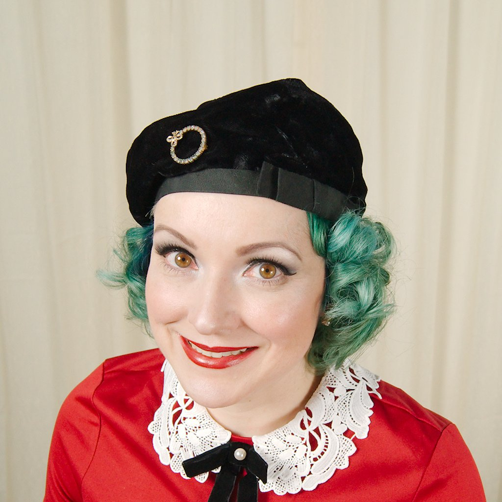 1950s Velvet Beret with Pin - Cats Like Us