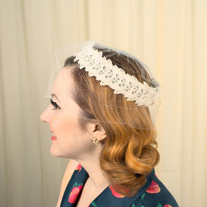1950s White Lace Fascinator Hat - Cats Like Us