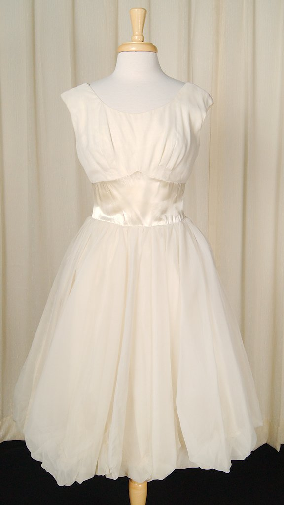 1960s Ivory Bubble Swing Dress