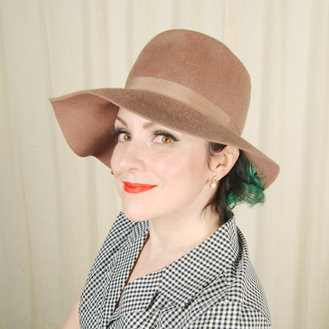 1960s Tan Wool Hat w Bow by Cats Like Us - Cats Like Us