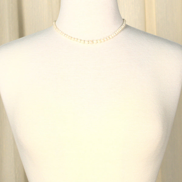 Charming Vintage Pearl Necklace