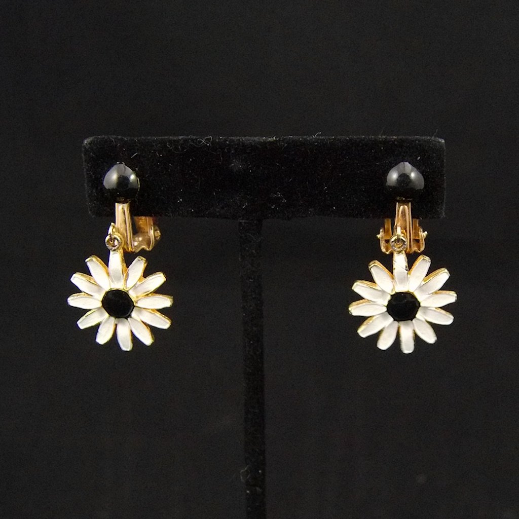 Vintage Enamel Daisy Earrings - Cats Like Us
