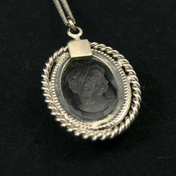 Etched Cameo Pendant Necklace