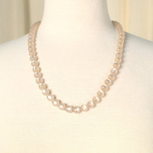 Light Pink Pearlized Necklace - Cats Like Us