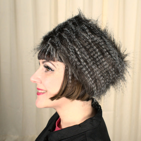 NWT 90s does 1960s Faux Fur Hat