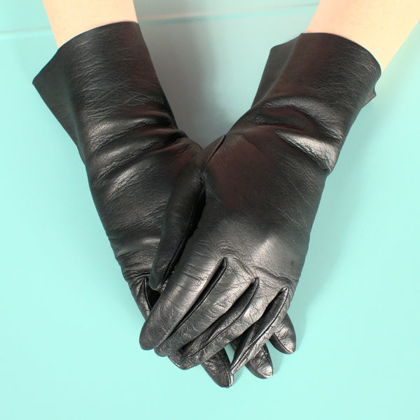 Short Black Leather Gloves