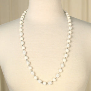 White Flower Bead Necklace - Cats Like Us