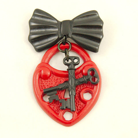 Cross My Heart Brooch Pin - Cats Like Us