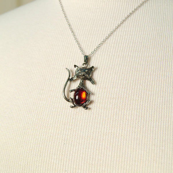Red Cool Cat Necklace by Hullabaloo : Cats Like Us