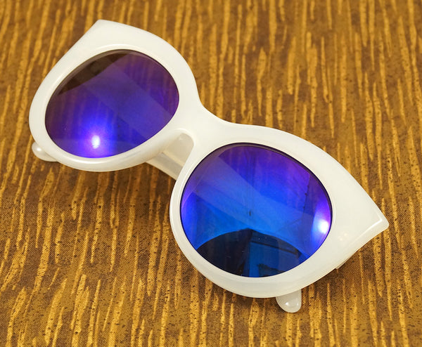 LA Sunglasses White Point Cat Eye Sunglasses for sale at Cats Like Us - 4