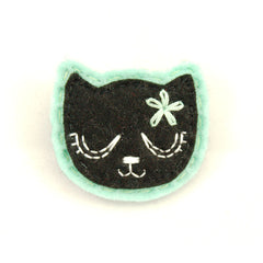 Black Kitty Pin in Girly Mint