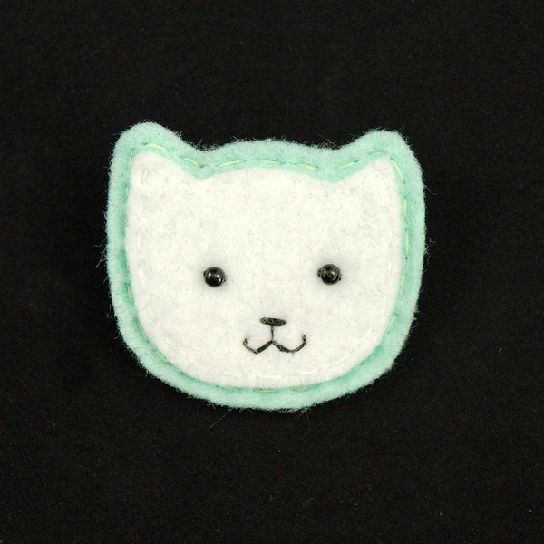 White Kitty Pin in Mint