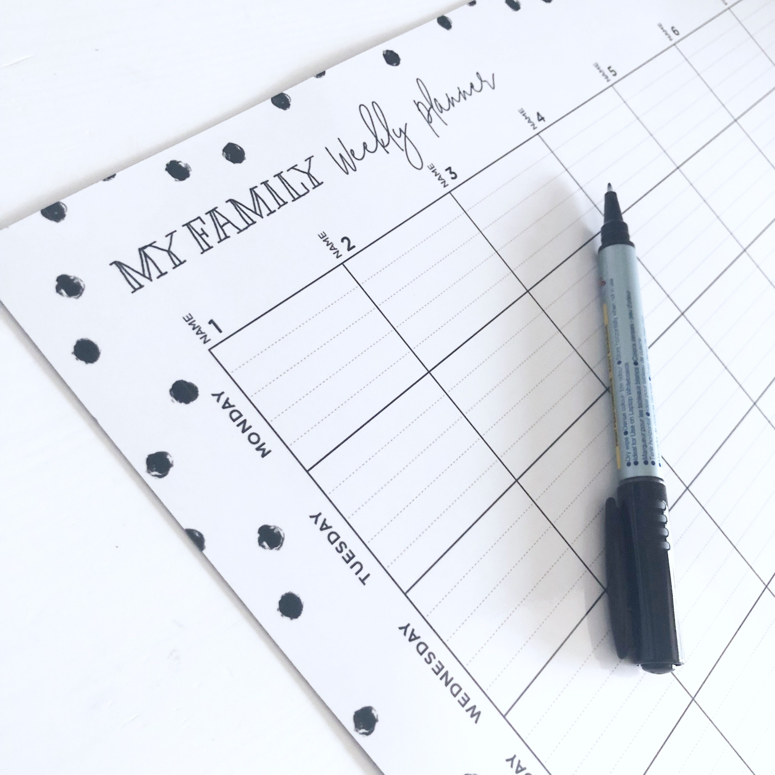 Weekly Planner Spot Design - Black and White