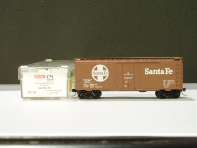 MTL-21110 - 40' Standard Box Car, Plug Door - Santa Fe #149953