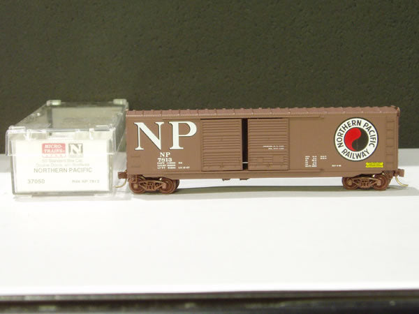 MTL-37050 - 50' Standard Box Car, Double Doors, w/o Roofwalk - Northern Pacific