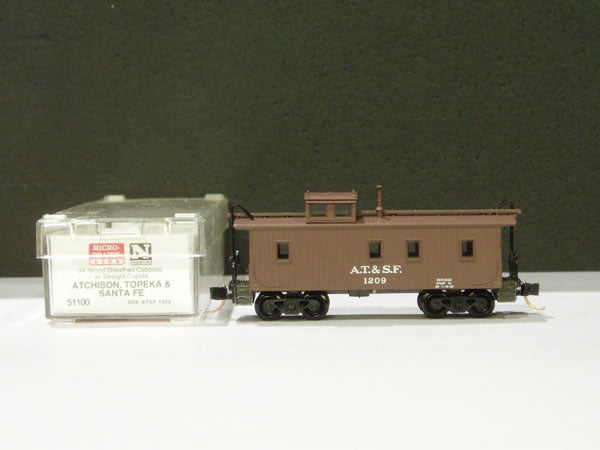 MTL-51100 - 34' Wood Sheathed Caboose, w/ Straight Cupola - ATSF
