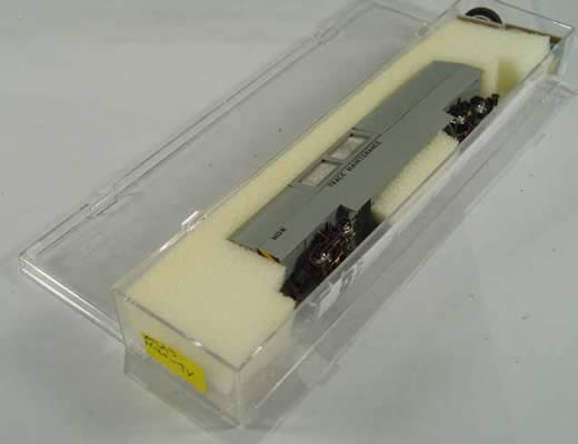 ATL-32551 - MOW-Gray Track Cleaning Car w/DCC - No Road #