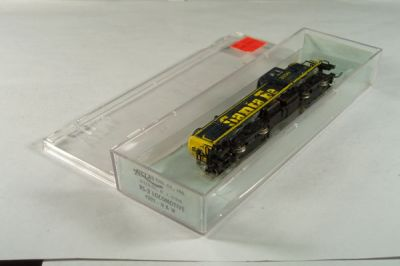 ATL-4202 - Santa Fe RS-3 Locomotive - Road #2150