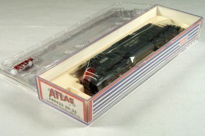 ATL-49425 - Southern Pacific SD-35 Locomotive - Road #6915