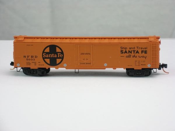 "MTL-52050 - 52' 2"" Riveted Steel Express Refrigerator Car, w/Plug Door - ATSF #5033"
