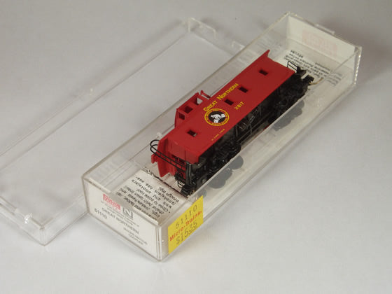 MTL-51110 - 34' Wood Sheathed Caboose, w/ Straight Cupola - Great Northern  #X617