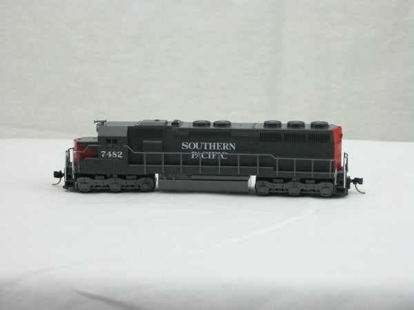 KAT-176-319 - Southern Pacific SD-45 Locomotive - Custom Road #7482