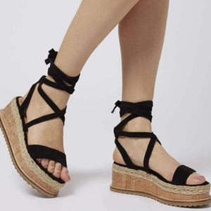 Daria's Cross Strapped Sandals
