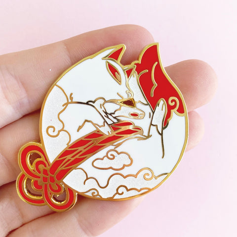 SleepyKitsune pin  (NS44)