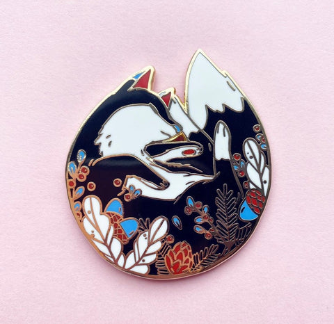 SleepyFox folklore pin (NS106)