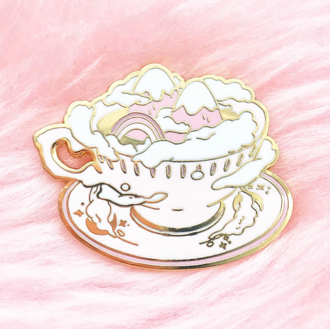 World of Tea pin  (NS55)