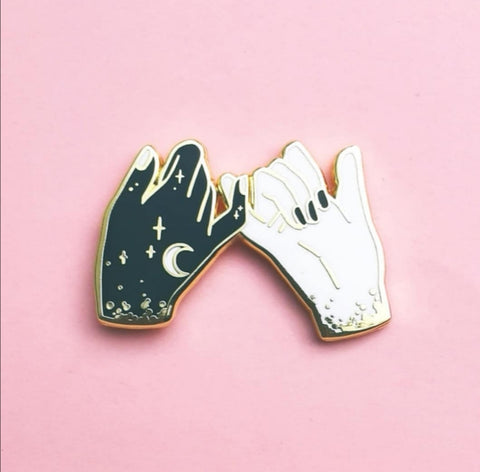 WitchySisters pin  (NS71)