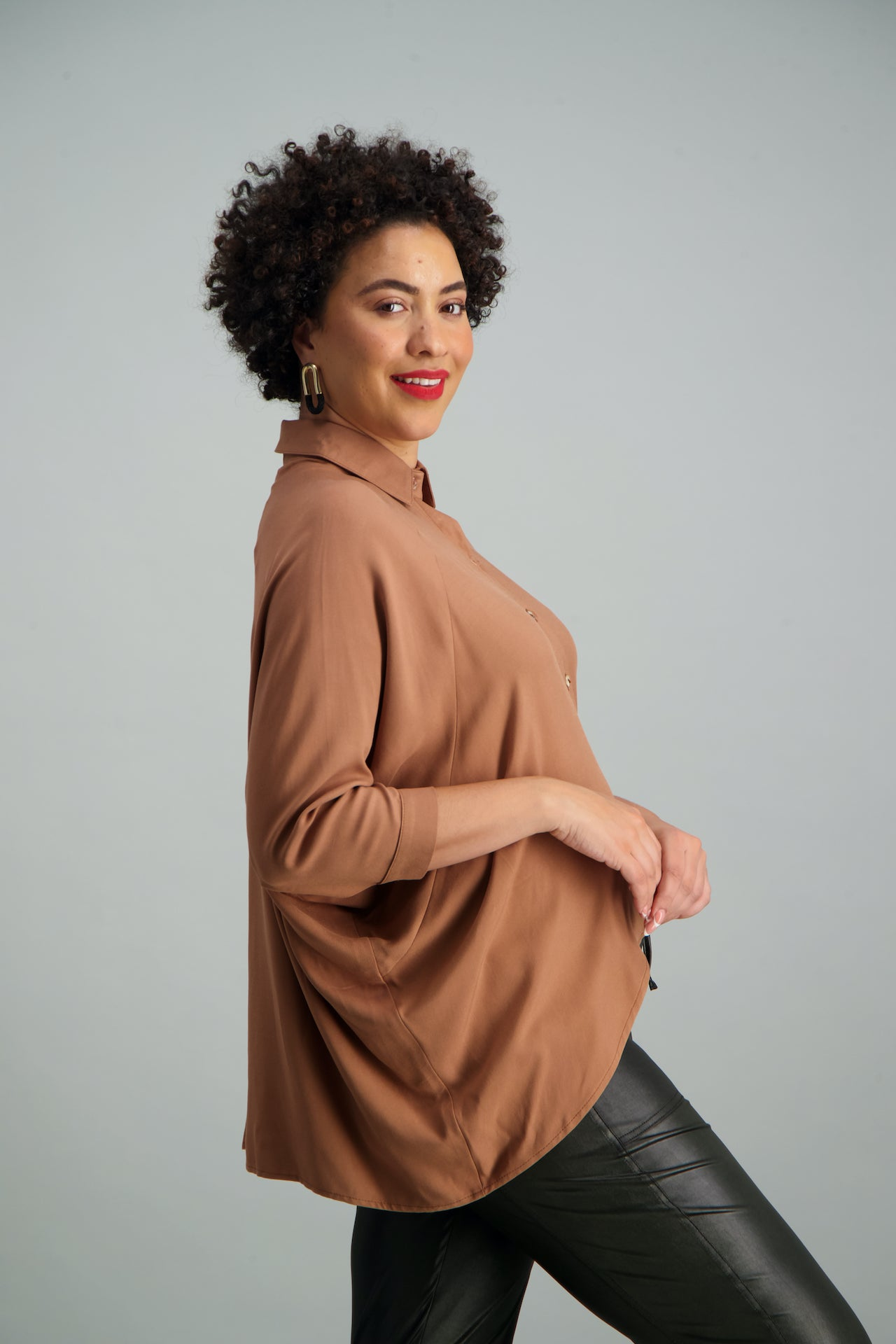 AT EASE BATWING TOP / Camel